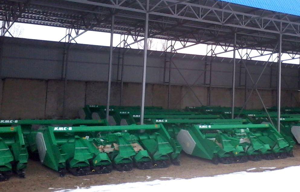 Кукурузные жатки КМС в собранном состоянии