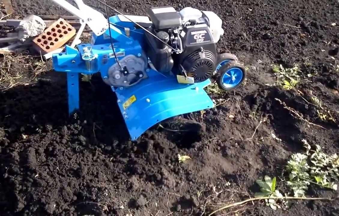 Обработка земли мотокультиватором Нева МК-200