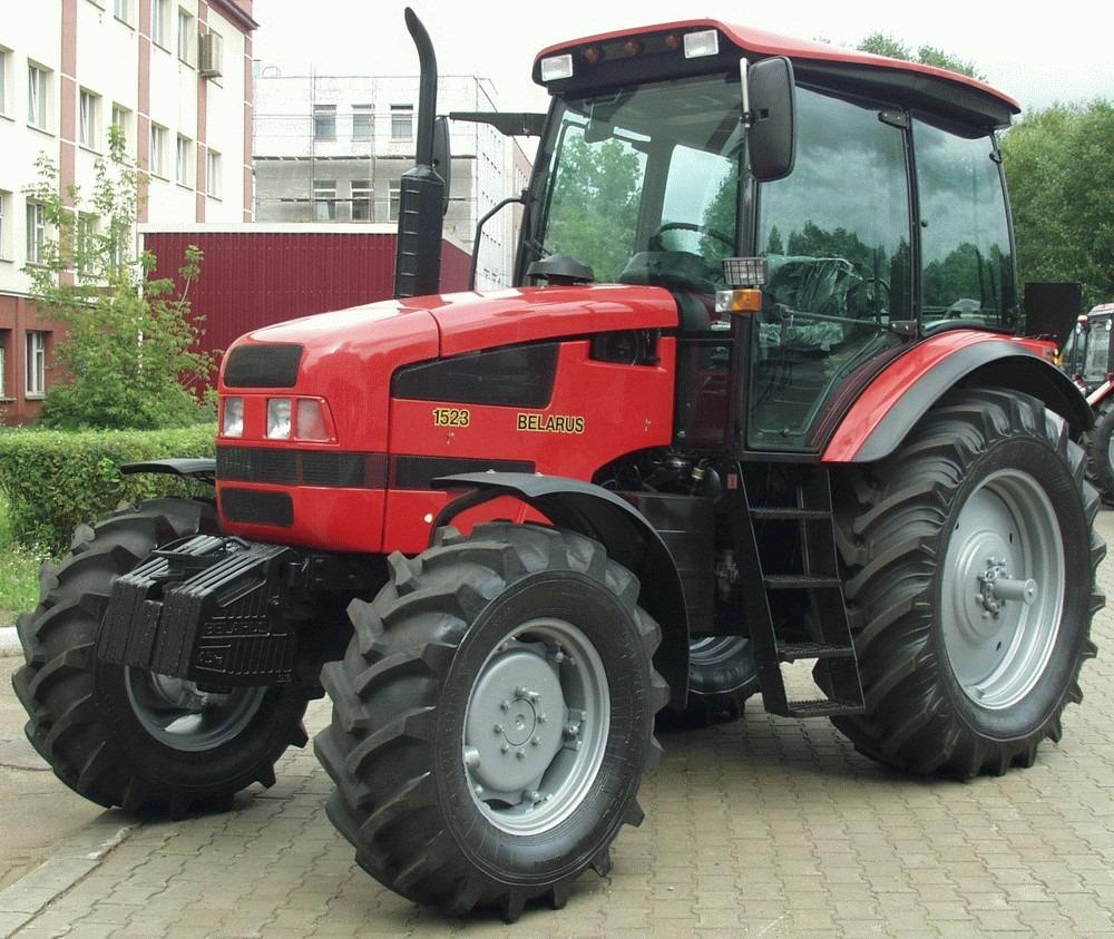 Внешний вид трактора МТЗ-1523 Беларус
