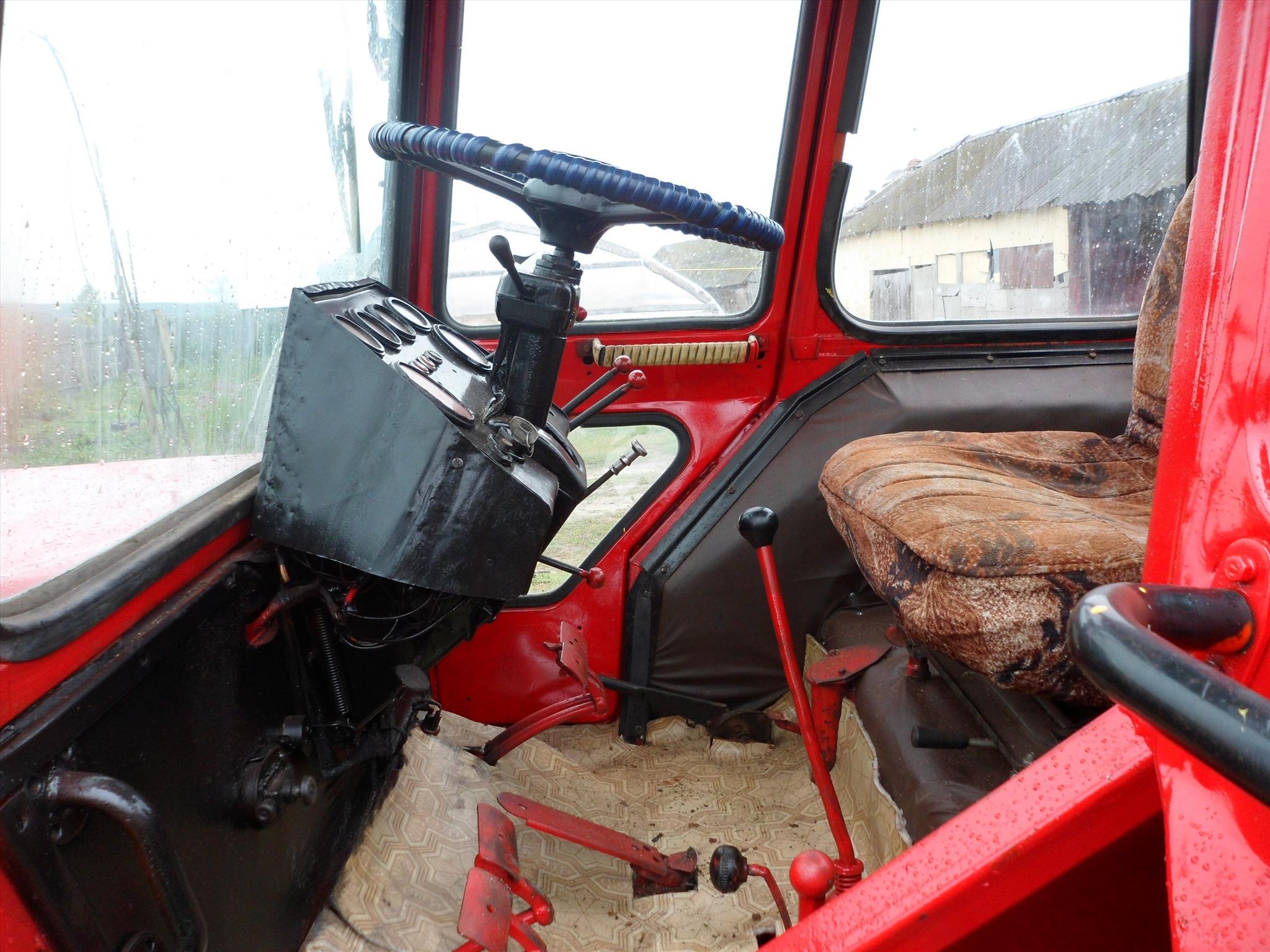 Кабина трактора ЛТЗ-55
